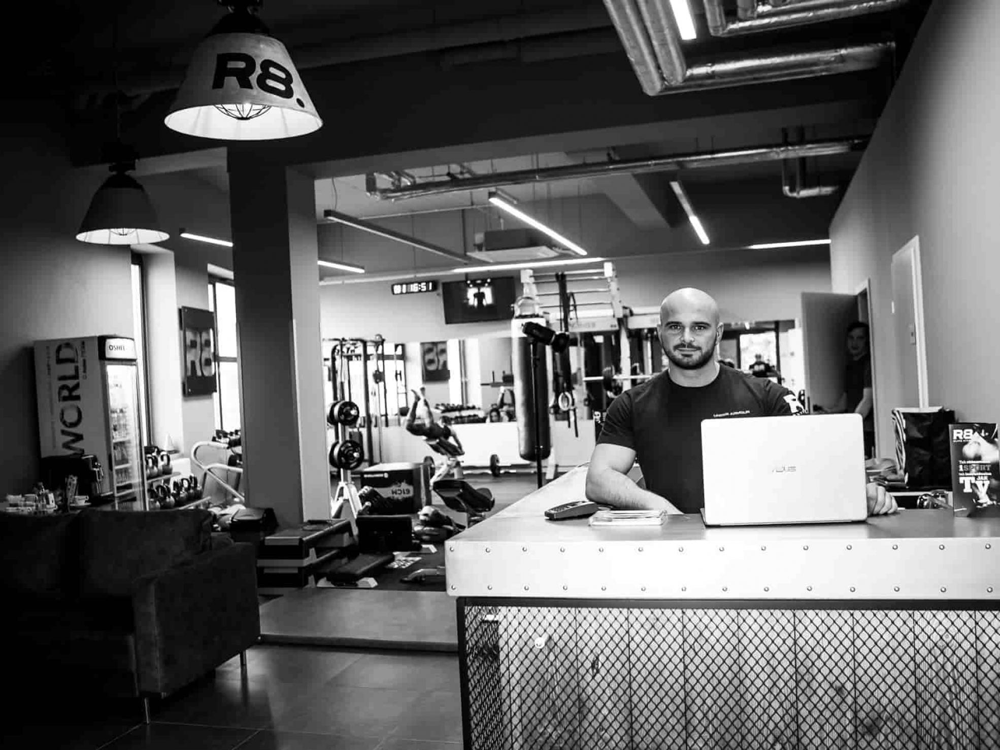 Mirosław Marcinek wrecepcji R8 Elite Fitness